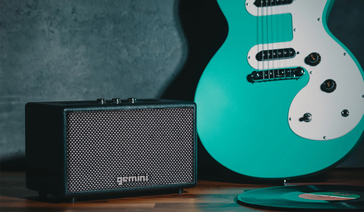 Gemini GTR-200 Portable Bluetooth Speaker with Master Volume control, Treble and Bass controls and Auxiliary 3.5mm input (Adapter included)