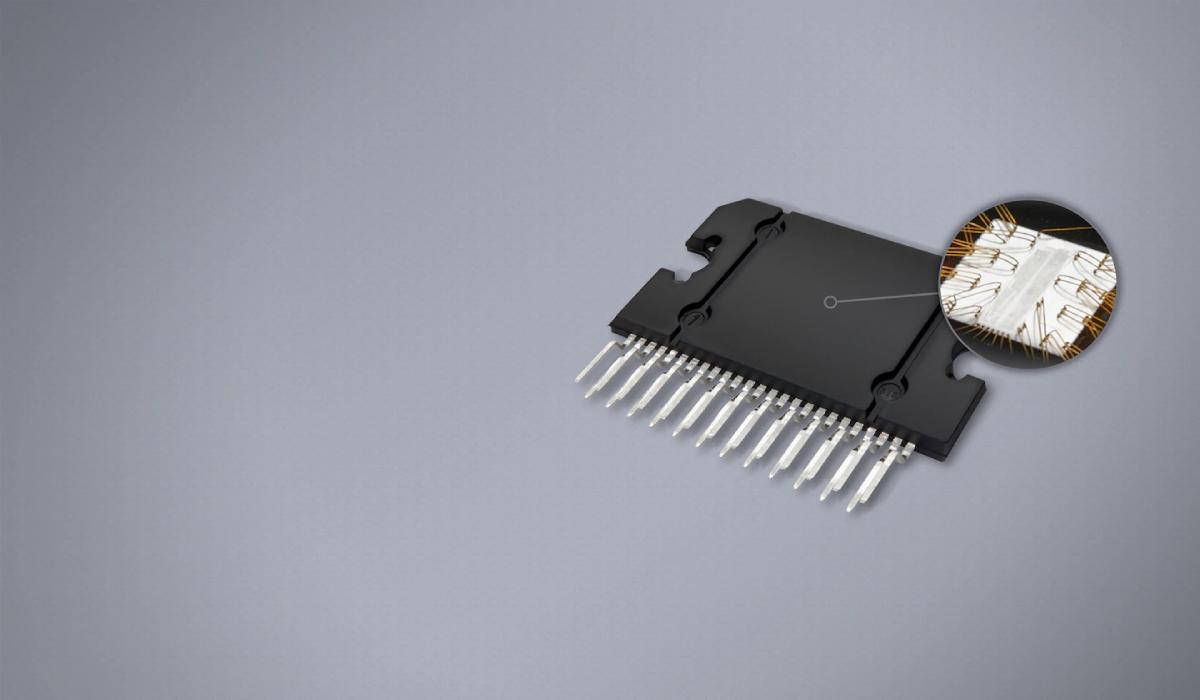 Built-In 4x45W RMS Amplifier